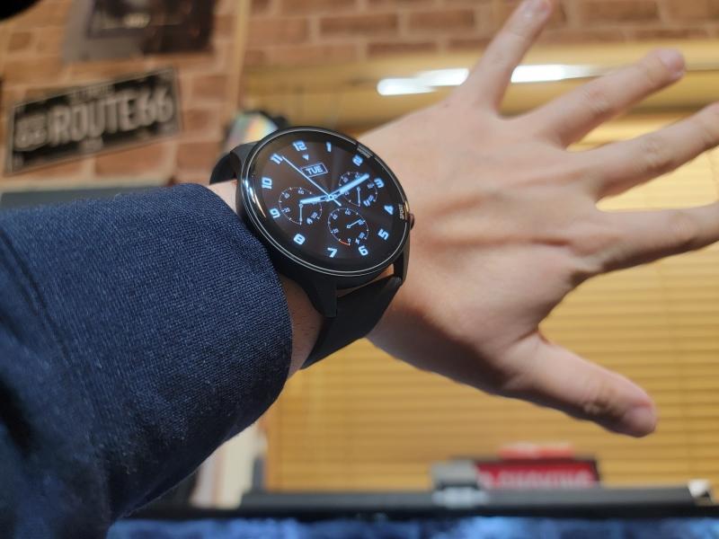 Xiaomi MI Watch 着用イメージ