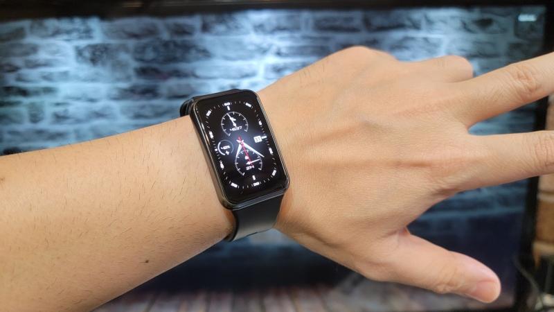 Huawei watch fit 装着