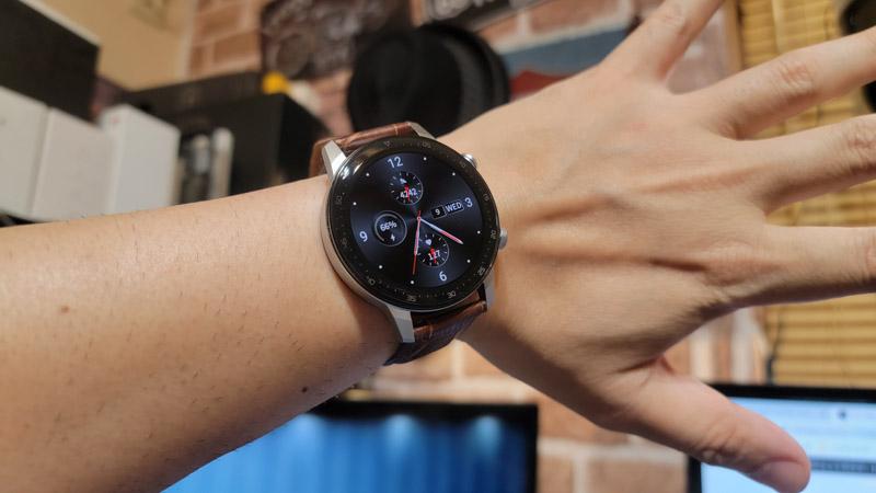 ZTE Watch GT着用