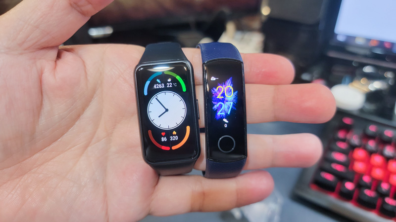 Huawei band6とhonorBand4