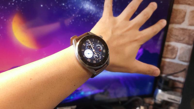 Huawei Watch3Pro着用